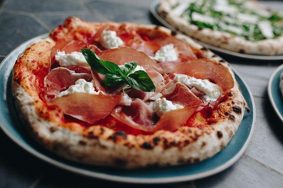 Pizza Massilia Ruam Rudee