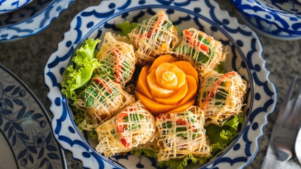 ทำอาหารไทยชาววัง
