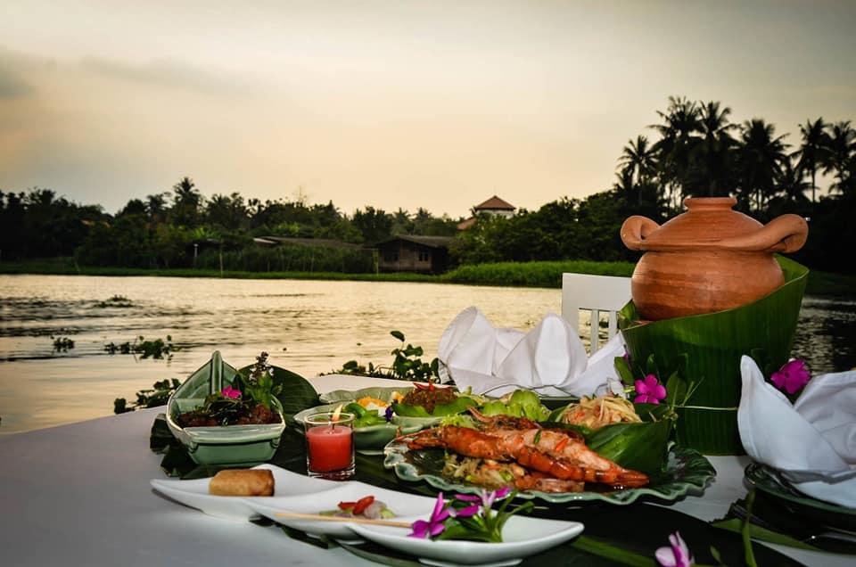 ร้านอาหารติดริมน้ำ จ.นครปฐม Aoywaan Riverside Thai Cuisine