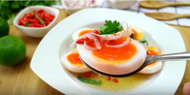 เมนูอาหารจากไข่ต้ม ยำไข่ต้ม