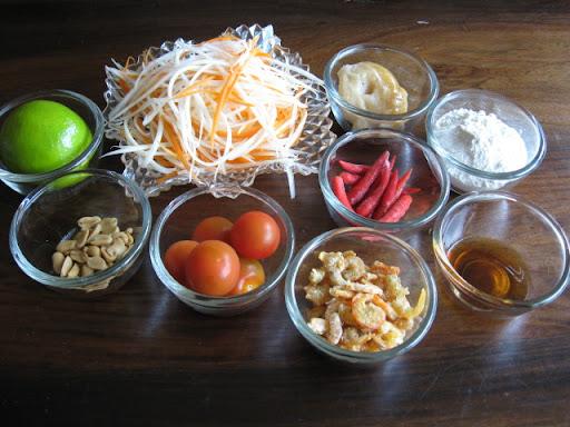 การทำ ส้มตำไทย รสแซ่บ